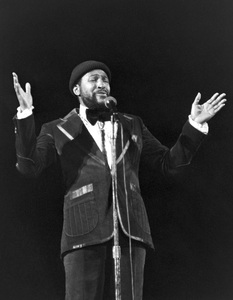 Marvin Gaye performing in Atlanta 1975© 1978 Steve Banks - Image 24377_0017
