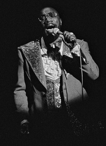 Isaac Hayes in Hollywood 1976© 1978 Steve Banks - Image 24377_0122