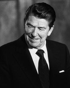 Ronald Reagan (President-elect) in Culver City, CA 1980© 1980 Steve Banks - Image 24377_0171