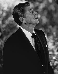 Ronald Reagan (President-elect) in Culver City, CA 1980© 1980 Steve Banks - Image 24377_0172