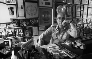 Sammy Cahn at his Beverly Hills home 1980© 1980 Steve Banks - Image 24377_0191