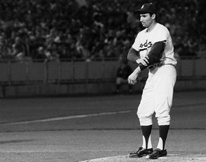 Sandy Koufax pitching for the the Los Angeles Dodgers 1965© 1978 Steve Banks - Image 24377_0192