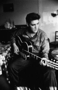 Elvis Presley circa 1960 ** I.V. - Image 24383_0125