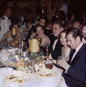 Olivia de Havilland, David O. Selznick, Vivien Leigh and Laurence Olivier at the Academy Awards1940** I.V. - Image 24383_0234