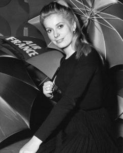 """The Umbrellas of Cherbourg""Catherine Deneuve1964** I.V. - Image 24383_0271"