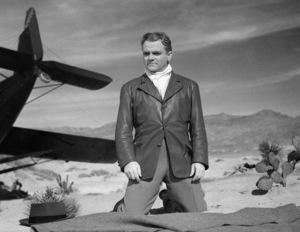 "James Cagney in ""The Bride Came C.O.D.""1941 ** I.V. - Image 24383_0345"