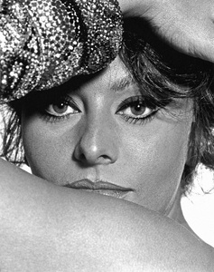 """""""A Countess from Hong Kong""""Sophia Loren1967** I.V. - Image 24383_0350"""