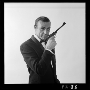 """From Russia with Love"" Sean Connery 1963 ** I.V. - Image 24383_0391"