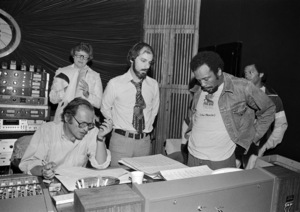 """Director Sidney Lumet, Rob Cohen and Quincy Jones during the making of """"The Wiz""""1978** I.V. - Image 24383_0444"""