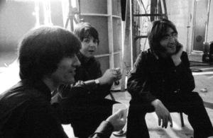 """""""Yellow Submarine""""George Harrison, Paul McCartney, John Lennon1968** I.V. - Image 24383_0501"""