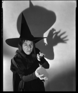 """The Wizard of Oz""Margaret Hamilton1938Photo by Ager** I.V. - Image 24383_0511"