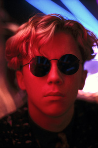 """Anthony Michael Hall during the making of """"Weird Science""""1985** I.V. - Image 24383_0613"""
