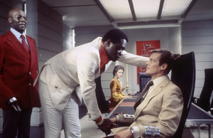 """Live and Let Die""Julius Harris, Yaphet Kotto, Jane Seymour, Roger Moore1973** I.V. - Image 24383_0724"
