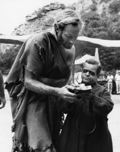 """Planet of the Apes""Charlton Heston, Felix Silla1968** I.V. - Image 24383_0757"
