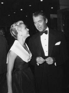 """Grace Kelly (wearing the Caracas dress, Christian Dior-New York collection, Spring-Summer 1954) at the premiere of """"Rear Window"""" with James Stewart1954** I.V. - Image 24383_0774"""