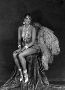 Josephine Baker circa 1925Photo by Walery (Paris)** I.V. - Image 24383_0885