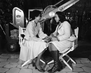 """Diana Ross and Coretta Scott King on the set of """"The Wiz""""1978 ** B.D.M. - Image 24384_0032"""