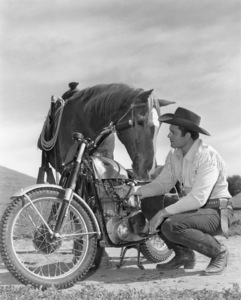 """Cheyenne""Clint Walkercirca 1960Photo by Jack Woods** B.D.M. - Image 24384_0069"