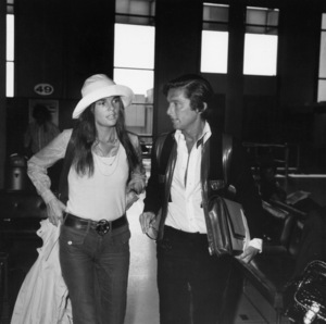 Ali MacGraw and Robert Evans in the American Airlines terminal 1972** B.D.M. - Image 24384_0102