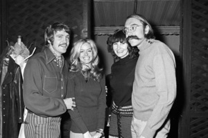 Farrah Fawcett at her birthday party with her husband, Lee Majors, and photographer Bruce McBroom with his wife, Theadora Van Runkle1971© 1978 Roy Cummings - Image 24385_0041