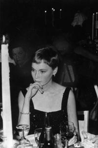 Mia Farrow 1966© 1978 Roy Cummings - Image 24385_0075