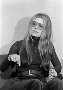 Gloria Steinem speaking at Syracuse University1970© 1978 Ron Sherman - Image 24387_0048