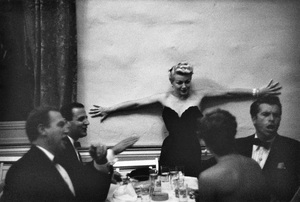 Lana Turner at a party given by Marion Davies (also pictured: Esther Williams, Fernando Lamas, Ben Gage)1950© 1978 Ruth Orkin - Image 24388_0009