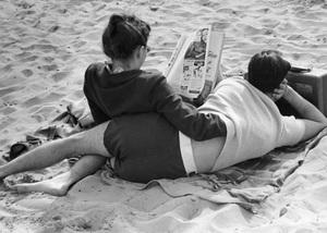 Couple on beach in New York City1947© 1978 Ruth Orkin - Image 24388_0035