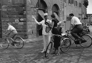 An American girl asking for directions in Florence, Italy1951© 1978 Ruth Orkin - Image 24388_0057