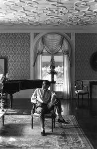 George Hamiltonat home in Beverly Hills1962 © 1978 Gunther - Image 2439_0014