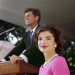 John F. Kennedy and Jacqueline Kennedy at Hyannis Port1959 © 2000 Mark Shaw - Image 2554_0037