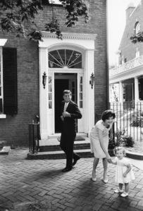 John F. Kennedy, Jacqueline Kennedy and Caroline Kennedy at Georgetown 1959 © 2000 Mark Shaw - Image 2554_0042