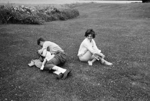John F. Kennedy, Jacqueline Kennedy and Caroline Kennedy at Hyannis 1959 © 2000 Mark Shaw - Image 2554_0059