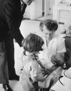 Nanny Mrs. Maud Shaw, Caroline Kennedy, John Kennedy Jr. and John F. Kennedy at The White House1961 © 2000 Mark Shaw - Image 2554_0078