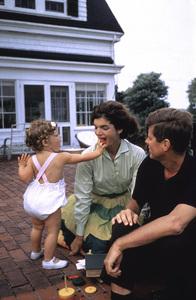 John F. Kennedy, Jacqueline Kennedy and Caroline Kennedy at Hyannis Port1959 © 2000 Mark Shaw - Image 2554_0083