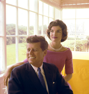 Jacqueline Kennedy and John F. Kennedy at Hyannis Port1959 © 2000 Mark Shaw - Image 2554_0088