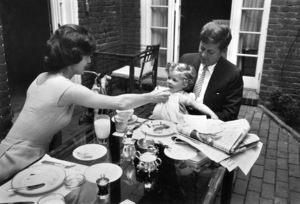 John F. Kennedy with Jacqueline Kennedy and Caroline at Georgetown1959 © 2000 Mark Shaw - Image 2554_0103