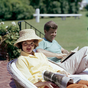 Jacqueline and John F. Kennedy at Hyannis Port 1959 © 2000 Mark Shaw - Image 2554_0172
