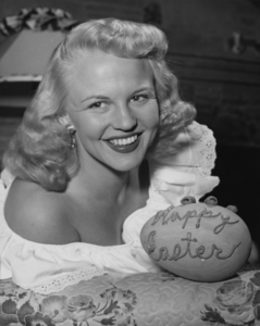 Peggy Lee circa 1949** I.V. / M.T. - Image 2586_0274