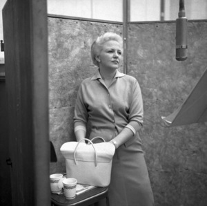 Peggy Lee at a Capitol Records recording sessioncirca 1950s© 1978 John Engstead - Image 2586_0292