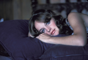 Pamela Sue Martin at home1974Photo by Bregman - Image 2656_0015