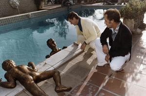 Roddy McDowall with sculptor Victor Salmonescirca 1980s © 1980 Wallace Seawell - Image 2681_0227
