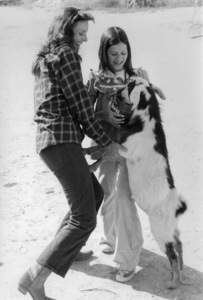 Lee Meriwether with herdaughter Kylec. 1975 © 1978 Kim Maydole Lynch - Image 2693_0002