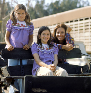 Lee Meriwether with her kids Lesley and Kylec. 1975 © 1978 Kim Maydole Lynch - Image 2693_0007