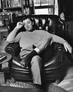 Robert Mitchum at home1955© 1978 Sid Avery - Image 2706_0141
