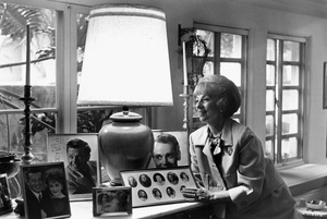 Agnes Moorehead at homecirca 1965 © 1978 Gunther - Image 2715_0004