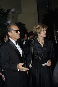 Jack Nicholson with Rebecca Broussard1990 © 1990 Gunther - Image 2754_0025