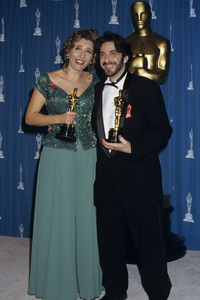 """Al Pacino and Emma Thompson at """"The 65th Annual Academy Awards""""1993© 1993 Gary Lewis - Image 2791_0160"""