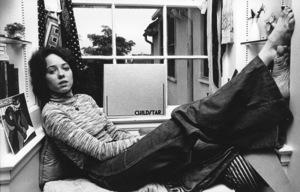 Mackenzie Phillips at home 1977 © 1978 Ulvis Alberts - Image 2813_0032