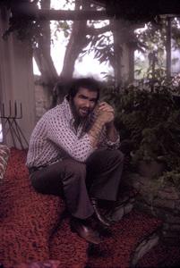 Burt Reynolds at home in Beverly Hills 1973 © 1978 David Sutton - Image 2868_0119
